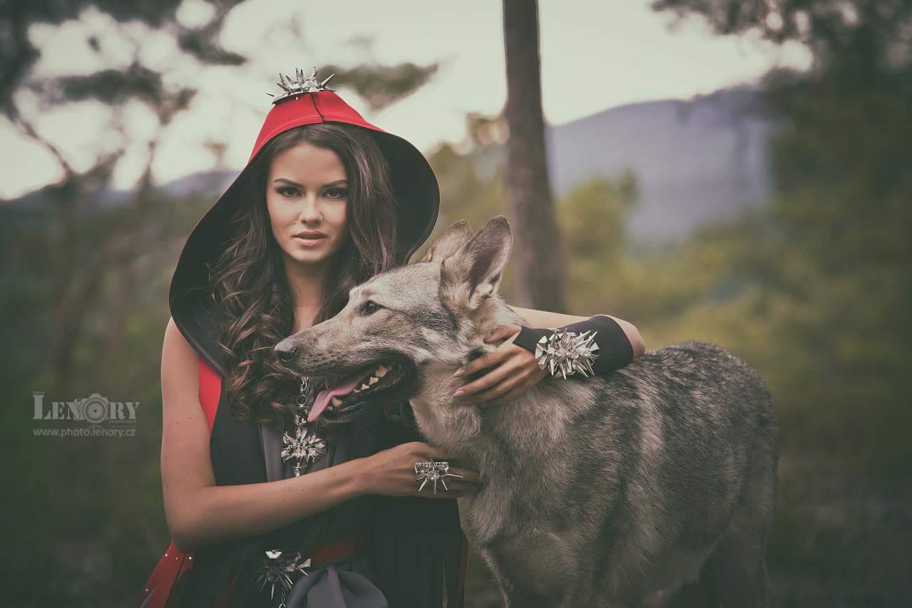 Tereza Bohuslavová v outfitu Meeschap/Lucid pro LENORYPHOTO.CZ
